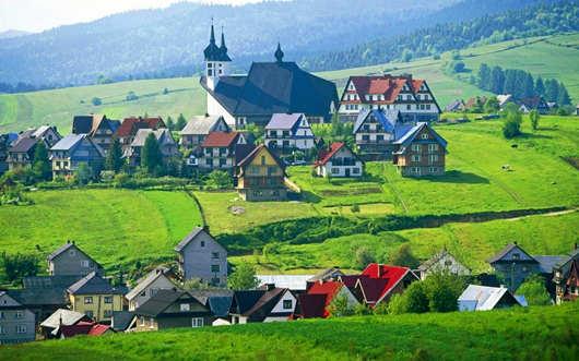 [新聞] 波蘭為何成為歐盟接受移民最多的國家?看完這些優勢和條件就明白了!